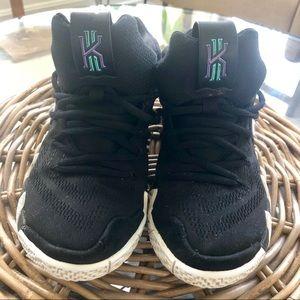 Nike Kyrie Irving Kids Sneakers